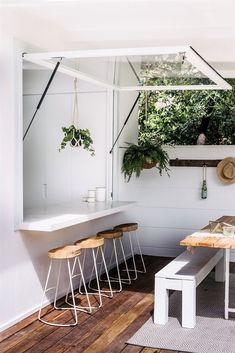 46 Inspiring Mini Bar Design Ideas On Your Apartment Balcony Design # Mini Bars, Backyard Bar, House Ideas, Balcony Design, Balcony Bar, Balcony Garden, Garden Design, Decoration Design, Bar Furniture