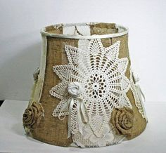 Interesting way to decorate a lamp shade for a vintage look.