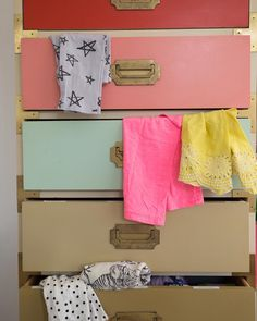 I've realized that keeping my kid's stuff somewhat organized helps make the morning rush a little less hectic. Today I shared a few of my tips for keeping kid's clothes organized both for everyday and for long-term storage (like when they outgrow their clothes and saving them for hand-me-downs for your next babe).  /  link in profile. by ohjoy