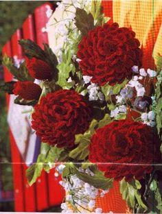 Arranjo de flores em crochet