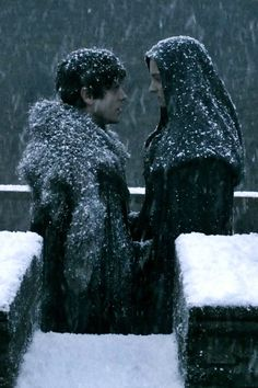 man Sansa shoot out like a weed, she's taller then him!