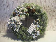 byMajka / Zasnežený vianočný veniec