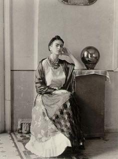 Manuel Alvarez Bravo, master photographer:Frida Kahlo in Bravo's studio (1930s)