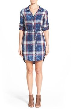 Women's Side Stitch Plaid Roll Tab Sleeve Shirtdress, Size