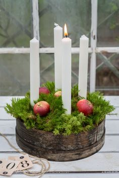 Use tall, slender candles & explore your local antique stores to create your Advent wreath. Noel Christmas, Christmas Candles, Green Christmas, Scandinavian Christmas, Country Christmas, Winter Christmas, Christmas Wreaths, Christmas Crafts, Advent Wreaths
