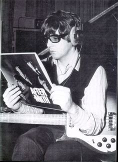 """Paul McCartney photographed with The Rolling Stones' """"Aftermath"""" in 1966♫♫♥♥♫♫♥♥♫♥JML"""