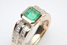 Emeralds and yellow gold - the perfect match.