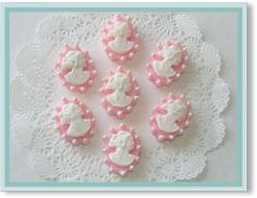 Cookies 'N Cream: Cameo Tradition Bouquet Hand Decorated Sugar Cubes