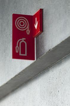 Signage wayfinding