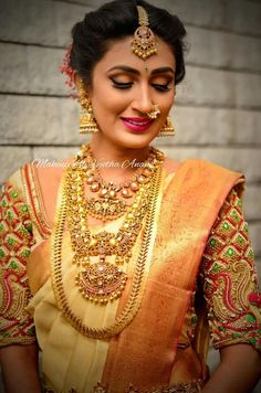 20 South Indian brides who rocked the South Indian bridal look South Indian Bride Saree, South Indian Bridal Jewellery, Indian Bridal Sarees, Bridal Silk Saree, Wedding Sarees, Bridal Jewelry, Wedding Veils, Indian Jewelry, South Indian Wedding Hairstyles