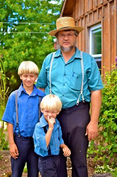 Tips for visiting Amish Country- see even little Amish boys stick their finger up their nose!