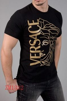 Versace Short Sleeved T shirts For Men in 64521 Versace T-shirt, Versace Fashion, Versace Clothing, Mens Designer Shirts, Designer Clothes For Men, Designer Clothing, Cool T Shirts, Tee Shirts, Camisa Polo
