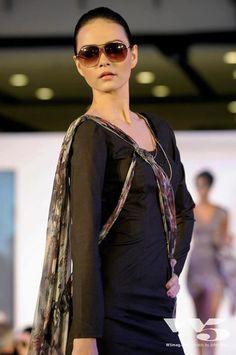 Accademia Italina Fashion Show 2012 Collection: Winter scarfs Designer: Ekaterina Bushueva Model: Jessica Amornkuldilok