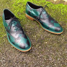 20. British Race // Chess pattern on black leather. Women's wingtip brogue. #rokiwuz #handmade #leather #shoes #classicshoes #fashion #styleshoes #wingtip #style #brogues #womensstyle #craftsmanship #customshoes #madeinitaly #handpainted