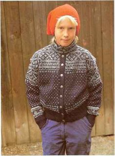 In the damp sea air, a knitted Knitting Blogs, Knitting Charts, Knitting Stitches, Knitting Patterns, Sweater Patterns, Knitting Ideas, Norwegian Knitting, Nordic Style, Men Sweater
