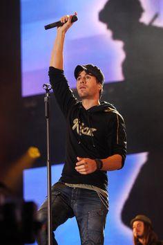 Enrique Iglesias Photos - Heroes Concert - Show - Zimbio