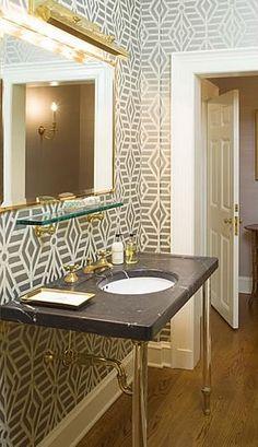 Powder room // Meg Braff Design ▇ #Home #Bath #Decor www.IrvineHomeBlog.com/HomeDecor