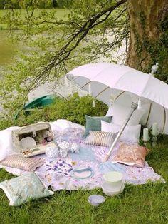 When I'm stressed, I'll imagine this :) Lovely Summer picnic :)~via Elizabeth Rodford / Dining outside / outdoors / al fresco / backyard / umbrella / romantic