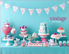 Baby shower table decorations ideas - planning for a birthday celebration can be quite tiring and stressful. But with the latest baby shower table decorations Pink Dessert Tables, Buffet Dessert, Dessert Bars, Desserts Roses, Sweet Desserts, Baby Shower Table Decorations, Party Decoration, Shower Centerpieces, Candy Table