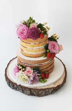 Woodland Cake With Fresh Flowers created by Faye Cahill Cake Design / http://fayecahill.com.au/