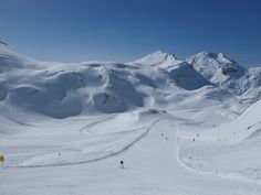 Is it possible to snowboard from St. Run of Fame Arlberg is 65 km long run around ski area. Ski And Snowboard, Snowboarding, Skiing, Run Around, Winter Sports, How To Run Longer, Alps, Mount Everest, Sun