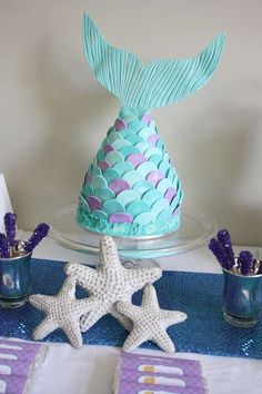 Awesome mermaid tail cake, as well as food ideas, and goodie bag ideas for mermaid birthday party Mermaid Birthday Cakes, Themed Birthday Cakes, Birthday Parties, Birthday Ideas, Diy Birthday, Tea Parties, Themed Cakes, Birthday Decorations, Table Decorations