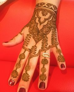 Flowers, leaves & roses - The Henna Circle - www.thehennacircle.com