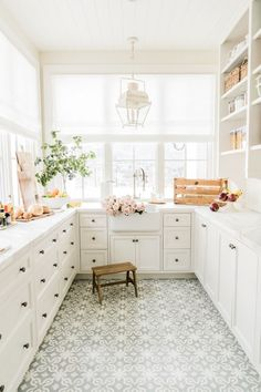 Okay ladies, I'm excited to finally share our pantry design with you and how we have everything organized! In our previous home I felt like my pantry was a black hole, in this home we strategically made it feel like more of an extension of the kitchen rather than a closet for food to sit. I loved that we put our ovens in our pantry, it makes it so convenient when cooking because I have a baking drawer right next to it filled with all my flour, sugar, brown sugar, etc.