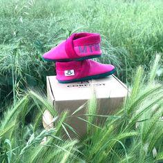 Η μικρή Μυρσίνη είναι έτοιμη για φυσικό Corfooting με αίσθηση #barefoot 🌿🍃👣🙇♀️! Φτιαγμένα στο χέρι από φυσικό δέρμα Nappa, χωρίς χρώμιο και χωρίς πλαστική επικάλυψη 🔆 www.corfoot.gr 🔆 . . #Corfoot #Handmade #LeatherBabyShoes #SoftBabyShoes #BabyShoes #FirstBabyShoes #eshopping #eshop #Corfootgr #DesignedinCorfu #HealthyFootwear #MomLife #BabyGirl #babyboy #momsgroup #softsolebabyshoes #softsoles #bestshoesever Hunter Boots, Rubber Rain Boots, Handmade, Shoes, Fashion, Moda, Hand Made, Zapatos, Shoes Outlet
