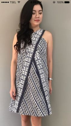 Batik Blazer, Blouse Batik, Batik Dress, Simple Dresses, Pretty Dresses, Batik Kebaya, Batik Fashion, Traditional Dresses, Dress Patterns