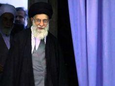 """El guía supremo iraní, el ayatolá Ali Jamenei, ha rechazado la oferta realizada esta semana por parte de Estados Unidos para emprender un diálogo bilateral y directo sobre su controvertido programa nuclear. La propuesta fue realizada por el propio vicepresidente estadounidense, Joe Biden.    """"Vosotros, americanos, queréis negociar mientras apuntái..."""