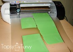 a tutorial on how to use your silhouette machine to cut fondant and gumpaste. Silhouette Cake, Silhouette Cutter, Silhouette Curio, Silhouette Cameo Machine, Silhouette Cameo Projects, Silhouette Vinyl, Vinyl Crafts, Vinyl Projects, Cameo Cake