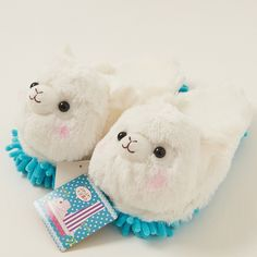 Alpacasso are very popular of course in Japan, but also in the United States! Alpacasso are kawaii characters inspired by Alpaca, social herd animals!  Need another reason to grow your Alpacasso Plushie collection? How about for the sake of a cleaner home? These Alpacasso Plushies are cleaning slippers! That's right, they are as super soft and extremely cute as any other Alpacasso Plushie, but a...