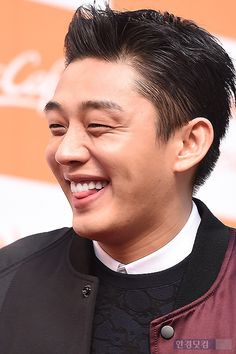 [PHOTOS & VIDEOS] Yoo Ah In Flashes Brightest Smile in McCafé Fansign Event 2015.02.09 | Yoo Ah In SikSeekLand