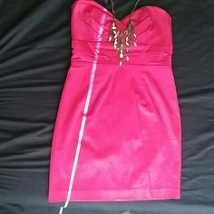 SALE ❤ Forever 21 Hot Pink Srapless Dress Hot pink strapless dress, size small, wrong once to a school formal dance. In great condition! Perfect for wedding season! Forever 21 Dresses Strapless