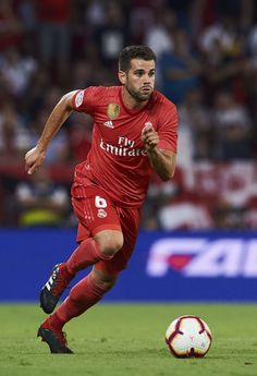 Nacho Fernández Photos - Nacho Fernandez of Real Madrid controls the ball during the La Liga match between Sevilla FC and Real Madrid CF at Estadio Ramon Sanchez Pizjuan on September 2018 in Seville, Spain. Real Madrid Team, Real Madrid Soccer, Nachos, Nacho Fernandez, Fc Barcelona Neymar, Soccer Girl Problems, Soccer Quotes, Soccer Tips, Lionel Messi