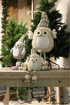 Many people believe that there is a magical formula for home decoration. You do things… Christmas Owls, Christmas Sewing, Christmas Holidays, Christmas Ornaments, Owl Crafts, Xmas Crafts, Diy And Crafts, New Years Decorations, Christmas Decorations
