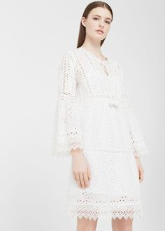 Discover the latest trends in Mango fashion, footwear and accessories. Shop the best outfits for this season at our online store. Little White Dresses, White Outfits, Dresses Short, Summer Dresses, Vestido Maxi Floral, Moda Mango, Mango France, Mango Fashion, Spring Summer