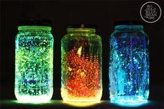Cómo hacer frascos que brillan en la oscuridad.