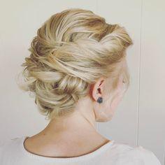 "Lexilocks Hair (@lexilockshair) on Instagram: ""A gorgeous updo on short fine hair. Tutorial for this is a few posts back! **** Hey guys!! I…"""