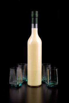 Creamy Limoncello Recipe from Italy - Homemade Crema di Limoncello - The Foodellers Creamy Limoncello Recipe, Making Limoncello, Homemade Limoncello, Cocktail Drinks, Alcoholic Drinks, Cocktails, Liquor Drinks, Lemon Cello Recipe, Vodka