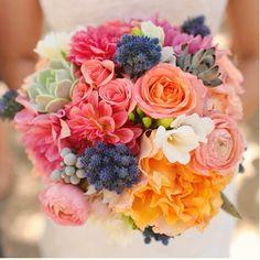"127 To se mi líbí, 3 komentářů – Bride de Force (@bridedeforce) na Instagramu: ""Summer in a bouquet  .⠀ .⠀ .⠀ .⠀ Image from @bellethemagazine."""