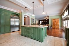 Hudson Manor, Montreal - 93 Rue d'Oxford, Hudson, QC #mansion #dreamhome #dream #luxury http://mansionhomes.co/dream/hudson-manor-montreal/