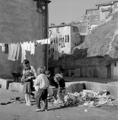 Artur Pastor Lisbon, Vintage Photos, Mount Rushmore, Monochrome, Mountains, Black And White, Painting, Laundry, Cool