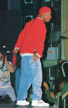Creative Hip, Hop, Culture, Bail, and image ideas & inspiration on Designspiration Arte Hip Hop, Hip Hop Art, Tupac And Biggie, Tupac Wallpaper, Tupac Art, Tupac Pictures, Ropa Hip Hop, Estilo Cholo, Tupac Makaveli