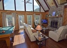 Cozy Bear is an adorable 2 bedroom chalet nestled in the mountains with an excellent Mt. LeConte and Tramway view. Ashland City, Gatlinburg Cabin Rentals, Upstairs Loft, Green Table, Bedroom Loft, Queen, Shower Doors, King Beds, Great View
