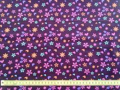 Por cada metro de tecido vendido pela Amor a Metro 0,20 cêntimos irão ser doados a uma instituição de solidariedade social de apoio a crianças, Chão de Meninos.