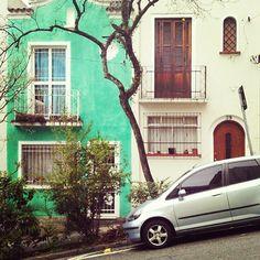 rafagushi:  ☔ ••• ARQUITETURA Área residencial preservada na região da Bela Vista ••• Foto por @Antonia Baranda Use #spdagaroa ou #saopaulodagaroa...