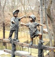 Bring Joy to Any Space with a Bronze Children Sculpture. Shop for children reading statues and custom bronze kids at Randolph Rose Collection. Statue En Bronze, Street Art, Sculpture Metal, Abstract Sculpture, Robin Wright, Boys Playing, Garden Statues, Animal Sculptures, Outdoor Art