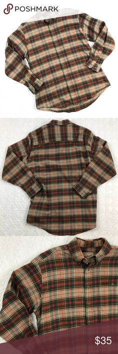 """👉🏼🎉Woolrich Vintage Plaid Flannel Shirt🎉👈🏼🧐 🤔Men's size large Woolrich plaid cotton flannel heavyweight buttondown shirt. Light tan/beige with green and red checkered pattern. Very good used condition. ✌🏽  Measurements:   *Armpit to armpit: 24""""   *Shoulder to shoulder: 21""""   *Sleeves: 25"""".   *Length (shoulder to hem): 32"""" Woolrich Shirts Casual Button Down Shirts"""
